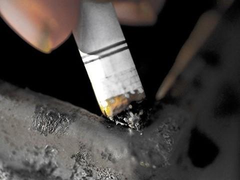 Люди, от которых пахнет табачным дымом, опасны для здоровья окружающих