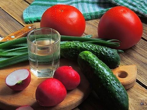 Рюмка водки ежедневно: низкий риск для здоровья
