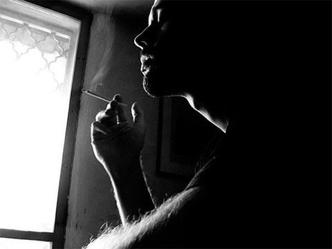 Курящий мужчина - риск выкидыша в семье