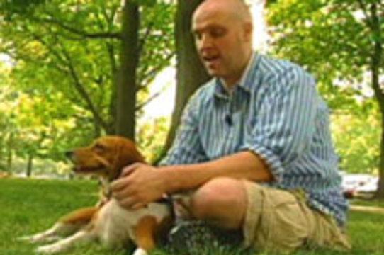 Собака спасла хозяина-диабетика, [позвонив в службу спасения 911]