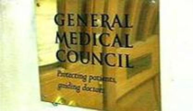 Искалечивший женщину врач допущен к работе