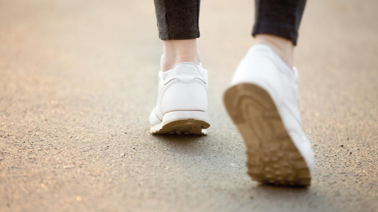 Медленно ходящие люди подвержены повышенному риску смертности от COVID-19