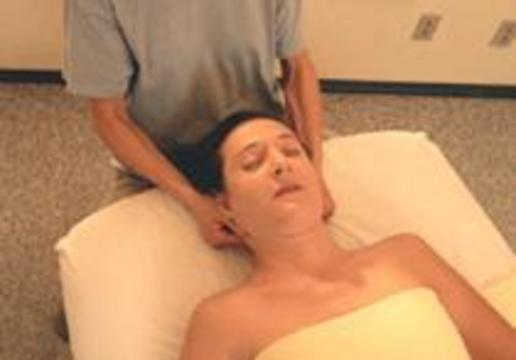 Мануальная терапия может привести к инсульту