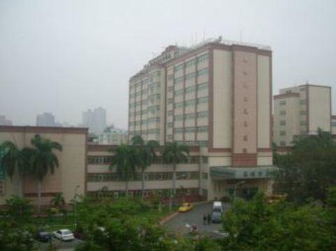Тайваньский ортопед принял за год [61 тысячу пациентов]