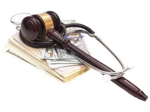 Вологодского невролога приговорили к 8,5 годам колонии за взятки