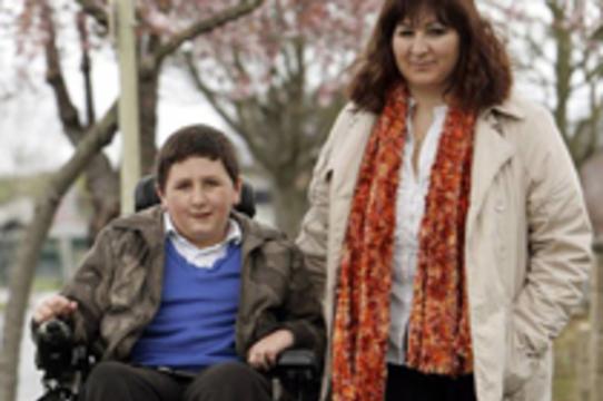 [Биодобавки вернули к жизни] парализованного британского мальчика