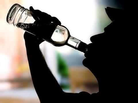 Поликлиники предложат пациентам сдать тест на алкогольную зависимость