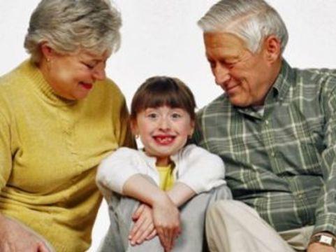 В развитии ожирения у британских дошкольников [обвинили бабушек и дедушек]