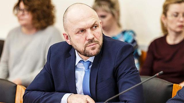 Глава минздрава Коми снят с должности после вспышек COVID в больницах региона