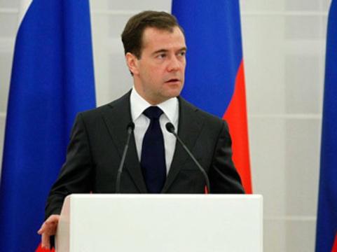 Медведев подписал [скандальный закон об охране здоровья]