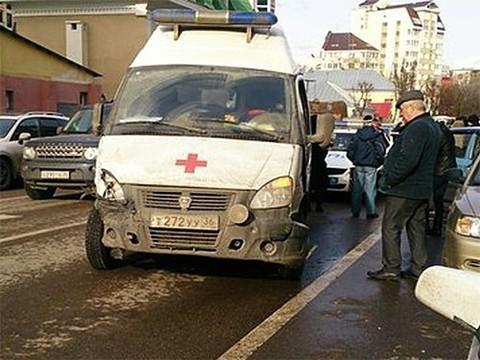 В Воронеже пьяный водитель «скорой» протаранил шесть автомобилей