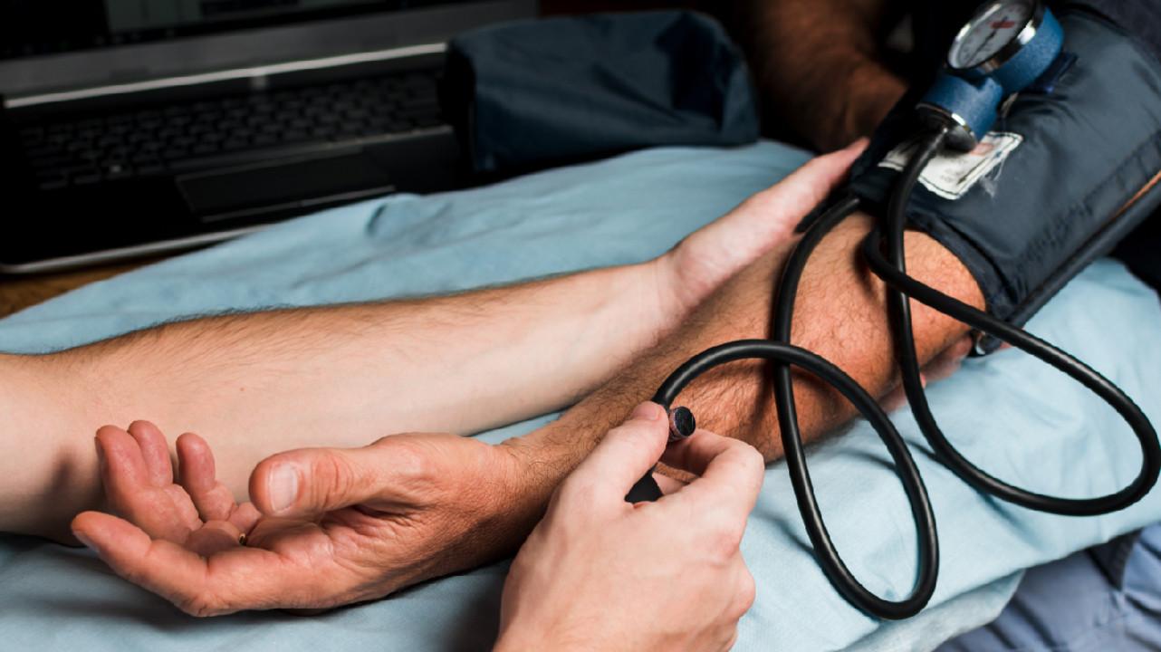 Как разница артериального давления на 2 руках влияет на риск инфаркта, инсульта и смерти