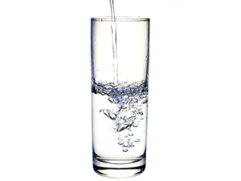 Вода оказалась [средством для похудения]