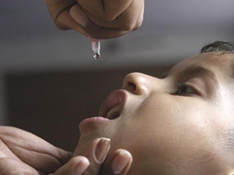 Жителей стран СНГ [привьют от полиомиелита российской вакциной]