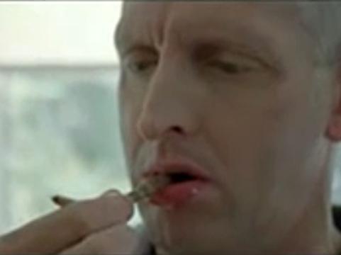 Рекламный ролик Pfizer с дохлой крысой [возмутил британских телезрителей]