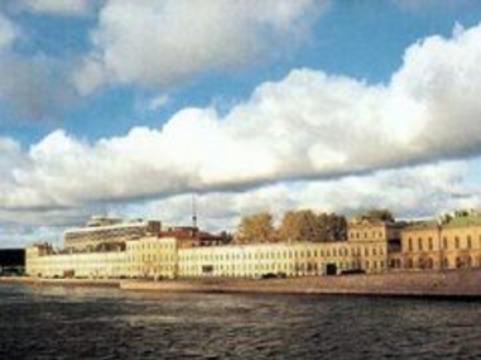 [ВМА останется] в центре Санкт-Петербурга