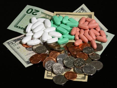 Фармацевты заявили о необходимости [увеличить расходы на лекарства в четыре раза]