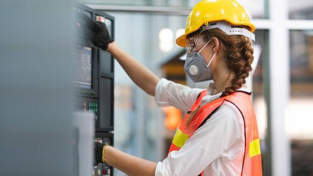 В России разработали систему контроля безопасности на производстве во время пандемии