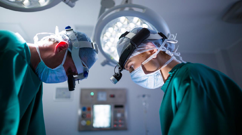 """В Челябинске провели """"ювелирную"""" операцию 10-месячному ребенку с редким заболеванием"""