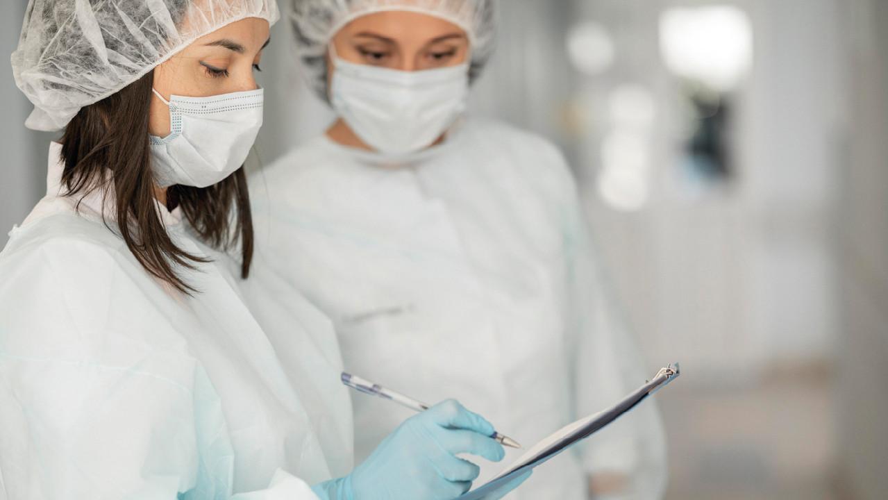 ЭКО, протезирование, психотерапия: какие услуги можно получить с полисом ОМС