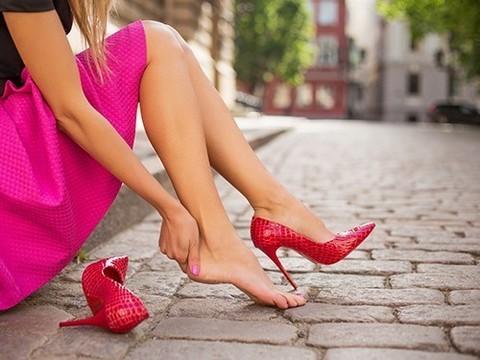 Британские ученые хотят запретить каблуки