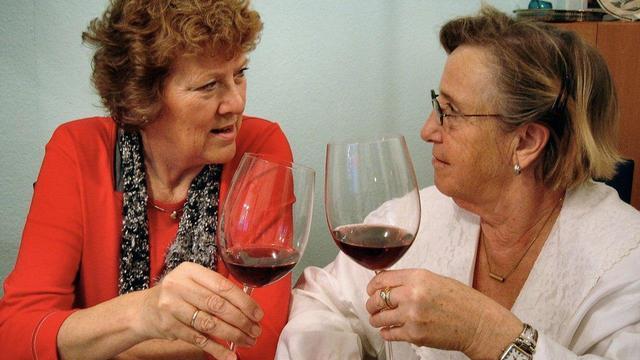 Алкоголь не увеличивает риск развития болезни Паркинсона - исследование