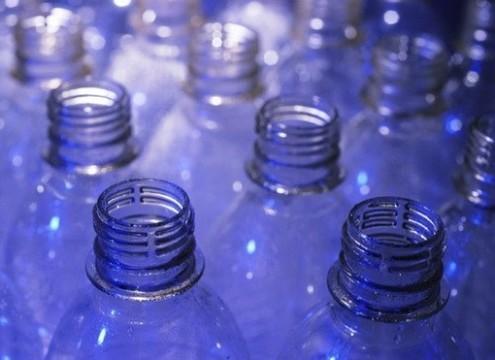 Вещество из пищевого пластика может [привести к нарушениям в работе мозга]