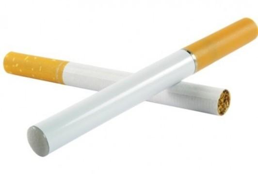 Обычные сигареты оказались в 10 раз [безопаснее электронных сигарет]