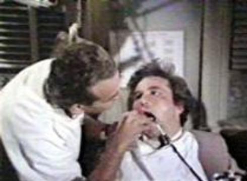 Британский дантист отомстил пациентке бор-машиной