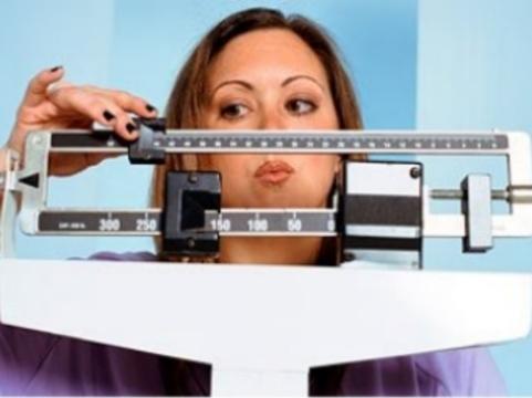 Шотландка с 10-килограммовой опухолью яичника [в течение года пыталась похудеть]
