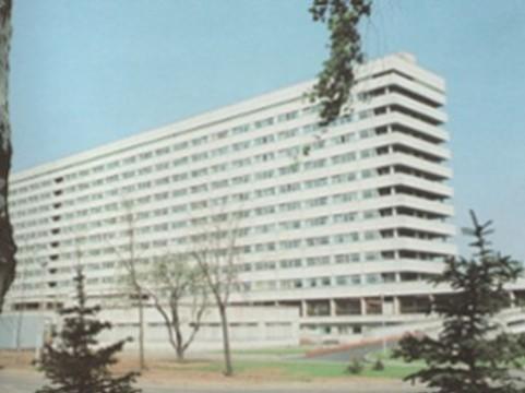Из окна московской больницы [выпрыгнул пациент с инсультом]