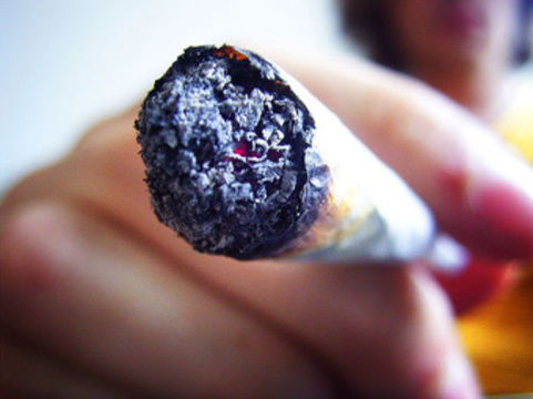 Опровергнута [связь курения марихуаны с нарушением функции легких]