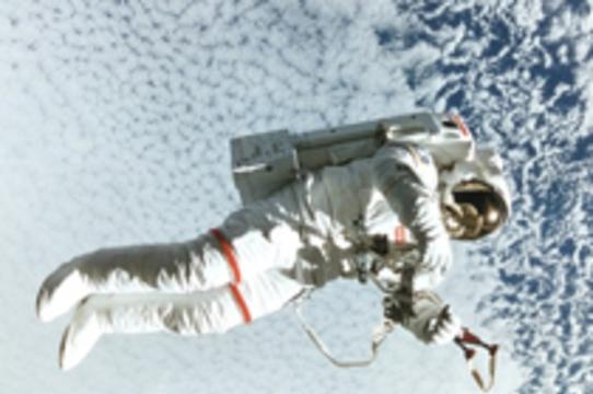 Костюм космонавтов облегчает [реабилитацию после черепно-мозговых травм]