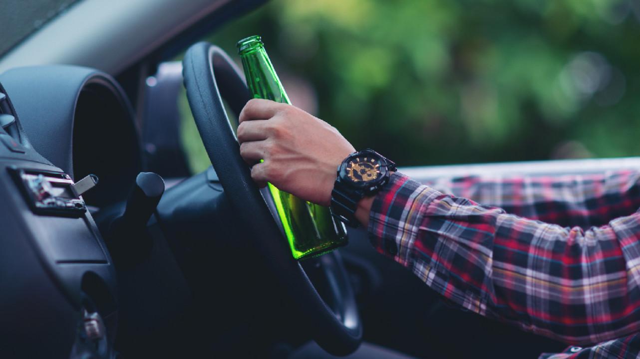 Даже допустимое содержание алкоголя в крови может притуплять реакцию водителя