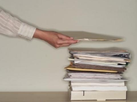 В офисах поставщиков жизненно важных лекарств [прошли выемки документов]