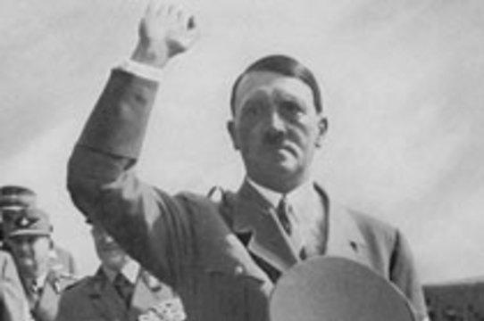 Немецкий военный врач рассказал правду об [отсутствующем яичке Гитлера]