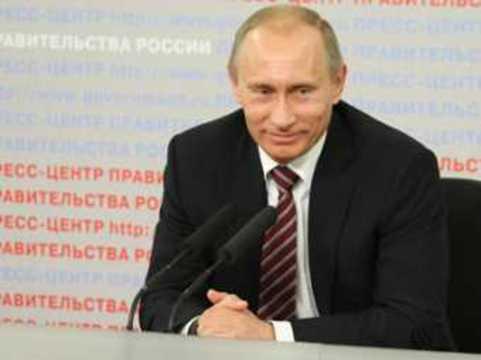 Путин пообещал сохранить и повысить [зарплаты врачей]