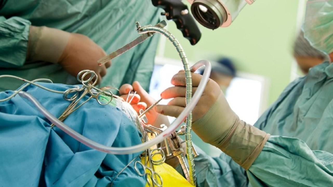 Нижегородские нейрохирурги провели редкую операцию по устранению атеросклероза
