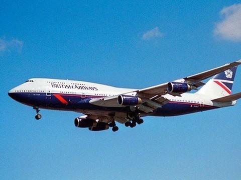Рейсу Лондон-Дубай пришлось вернуться в Хитроу из-за нестерпимого запаха кала