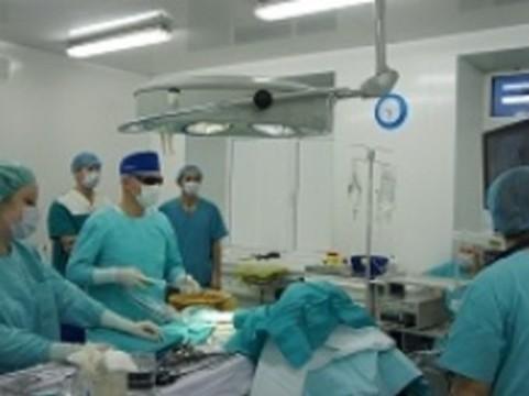 [В Екатеринбурге провели операцию] с использованием 3D-видеосистемы