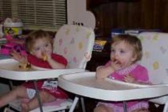 Самые маленькие близнецы выписаны из больницы