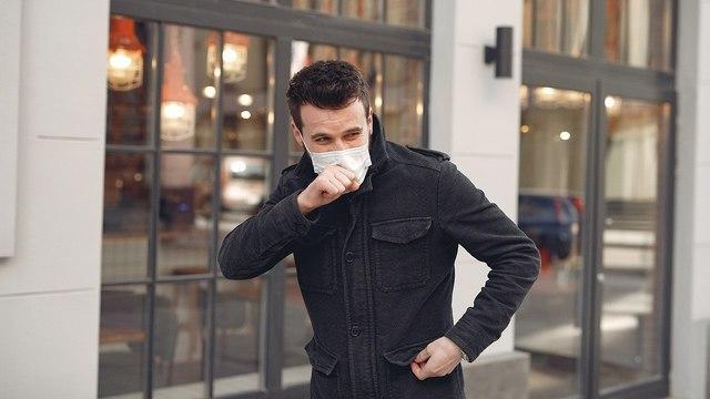 Большинство людей не могут распознать «заразный» кашель на слух — выводы ученых