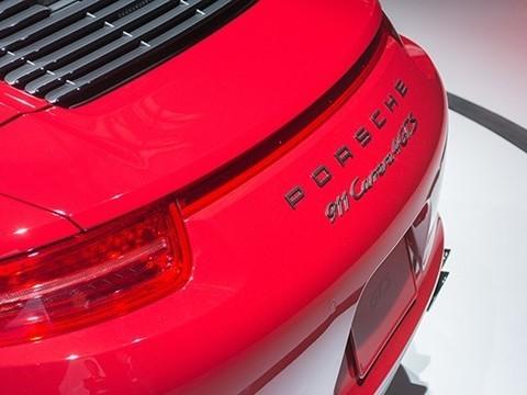 У директора московского ФОМС угнали Porsche Carrera