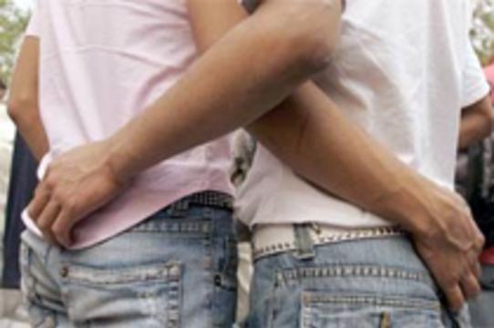 Однополый незащищенный секс становится ведущим [путем заражения ВИЧ в Азии]