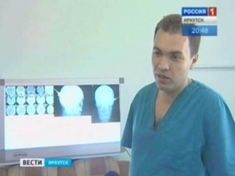 В иркутскую больницу пришел мужчина [с ножом в голове]