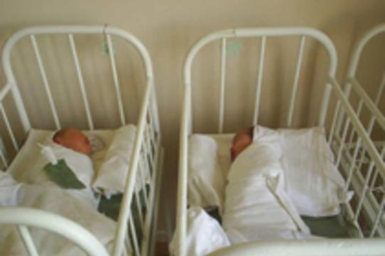 17 младенцев попали из роддома в инфекционную больницу