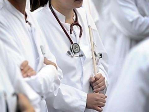 Врачи устроят массовый митинг [против ликвидации больниц 2 ноября]