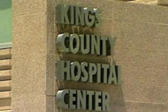 Пациентка госпиталя в Нью-Йорке почти час [умирала на полу под камерой наблюдения]