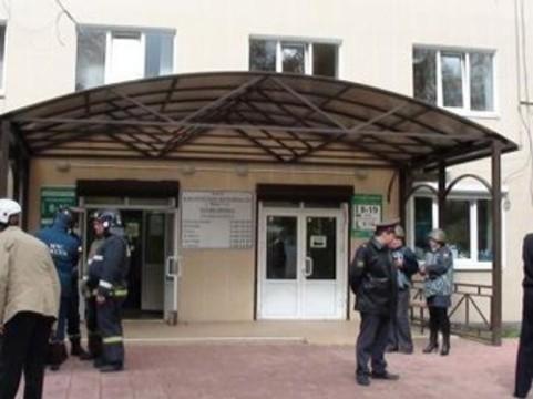 Больницу эвакуировали из-за [анонимного сообщения о бомбе]