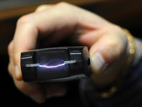 В приемных отделениях кемеровских больниц появятся электрошокеры